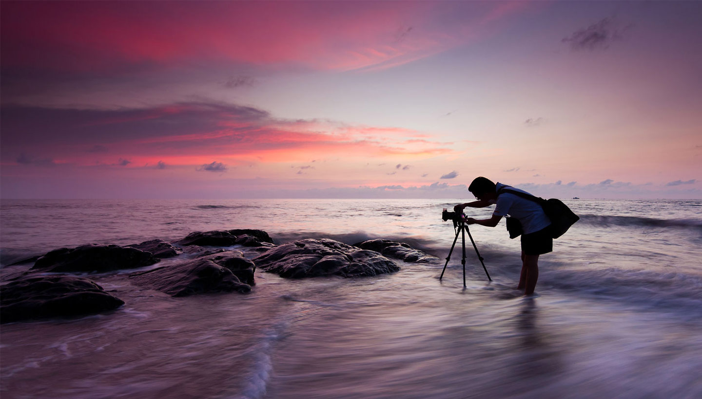 tripod photo setup at the beach