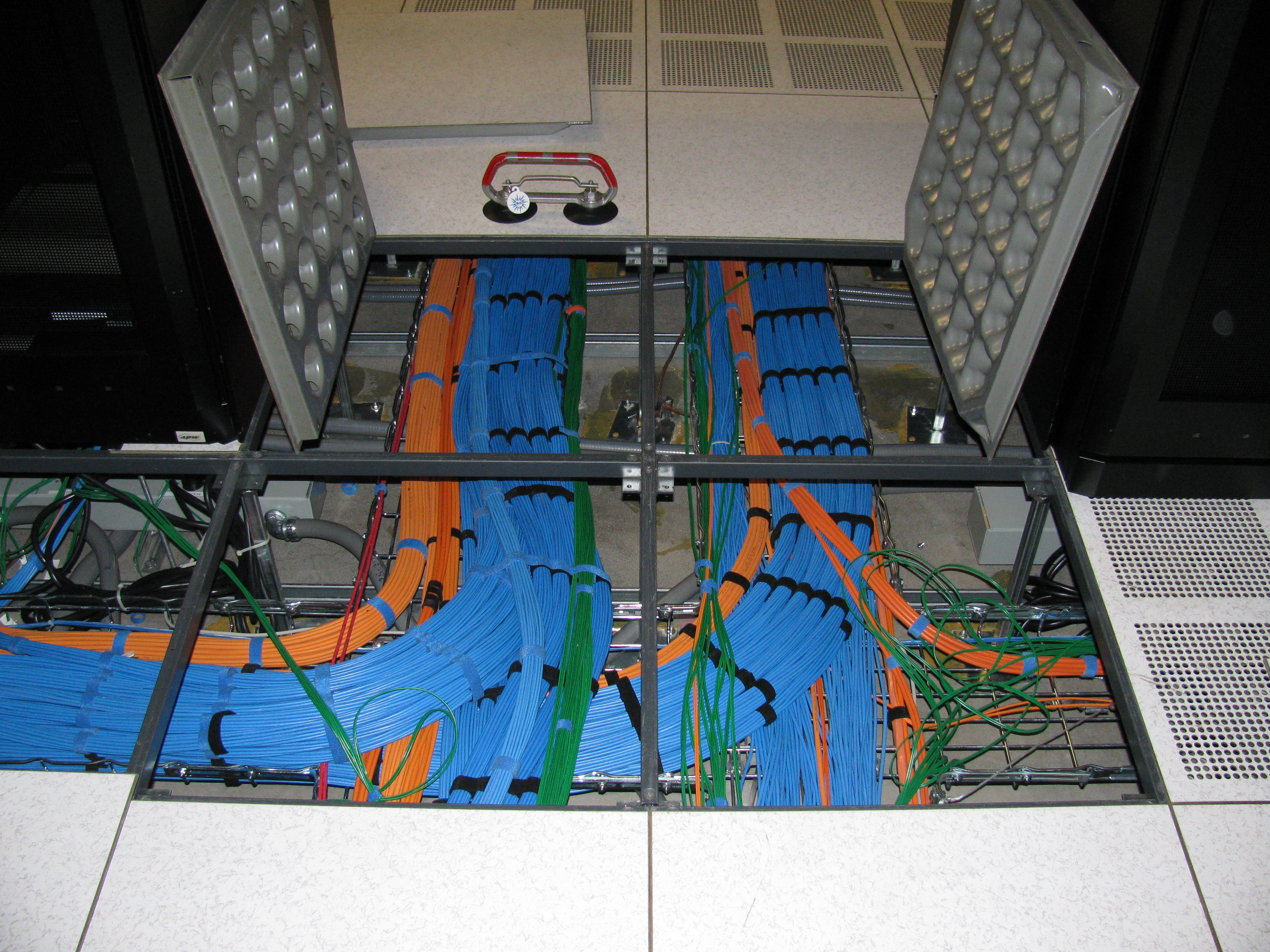 Data center under floor cable runs
