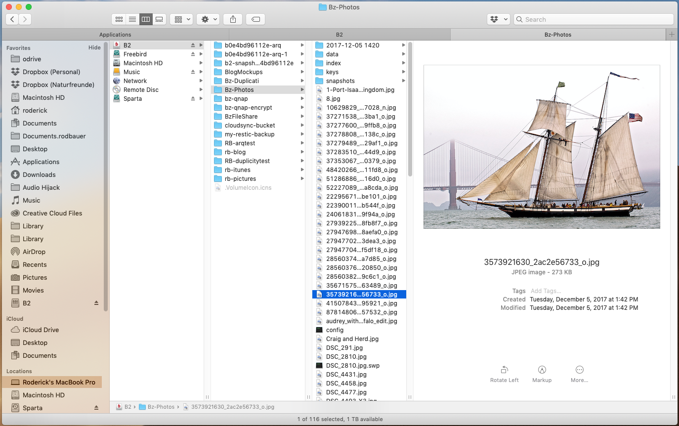 screenshot of Cloudmounter with B2 open in Mac Finder