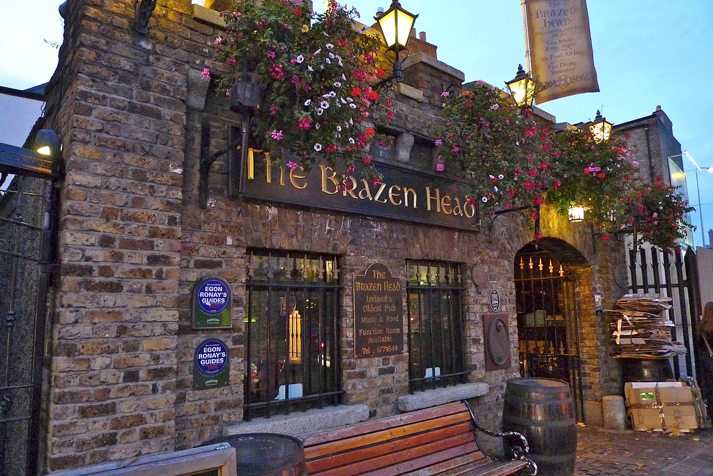 Brazen Head Pub in Dublin from Flickr, https://www.flickr.com/photos/chadlewis/5272488408