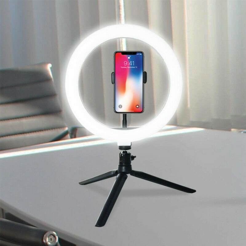 ring light with an iPhone in the middle